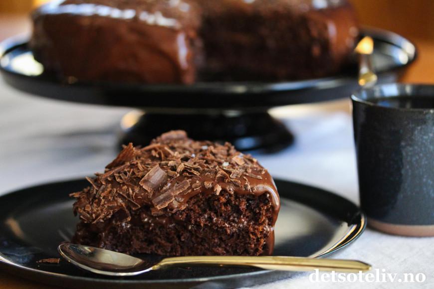 Sjokoladekake lett å lage